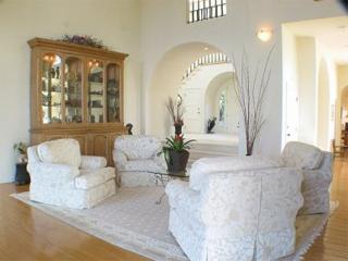Malibu Estate - Living Room
